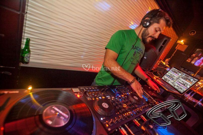 Fonoplay DJs