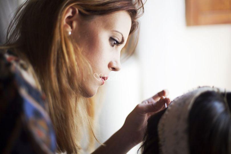 Maquillando a Ruth