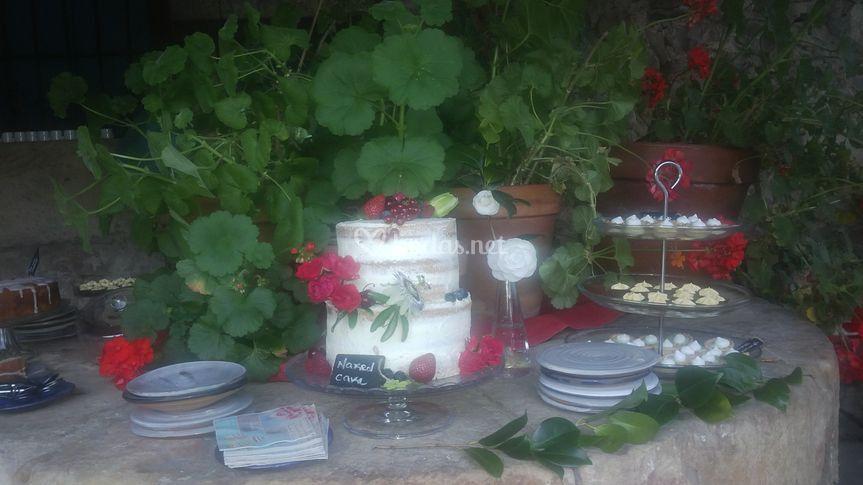 Mesa dulce jardín