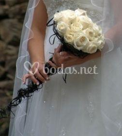 Ramo novia con rosas blancas