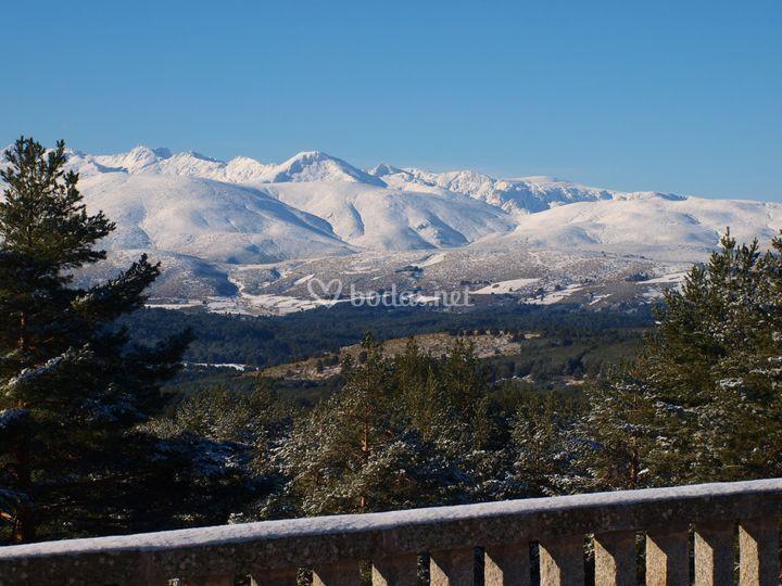 Vista Gredos con nieve