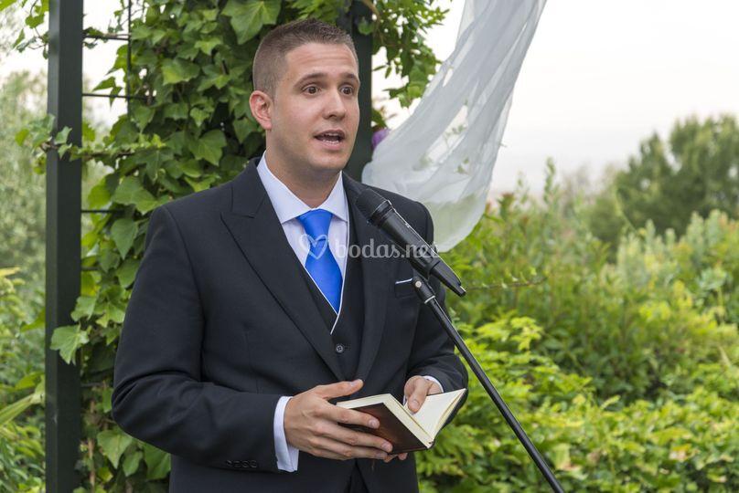 Rober Trebor - Oficiante de ceremonias
