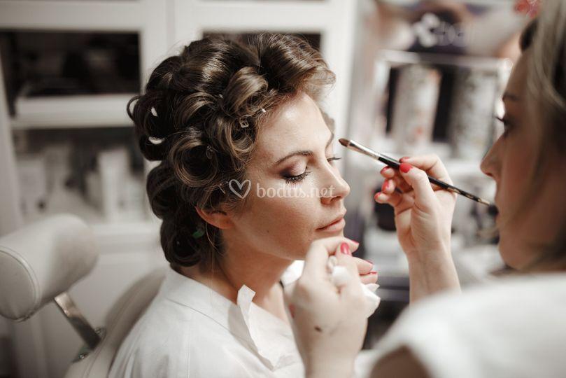 Maquillaje de novia salón