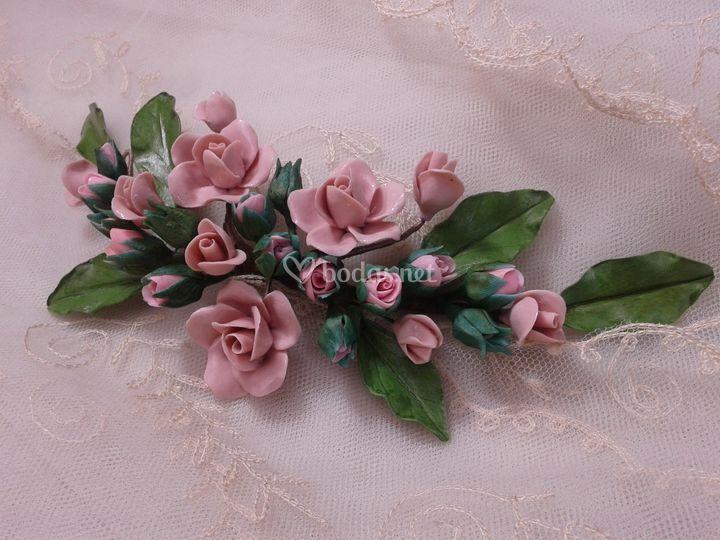 Tocado trasero de rosas 14-16 cm.