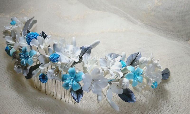 Tocado flores porcelana fría