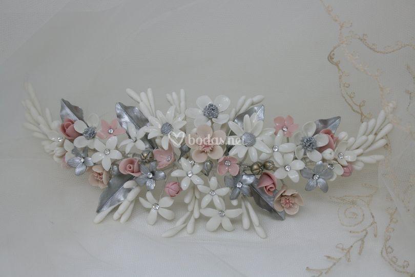 Tocado flores porcelana fina