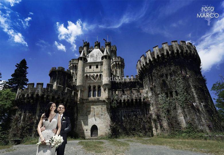 Junto al castillo de Butrón