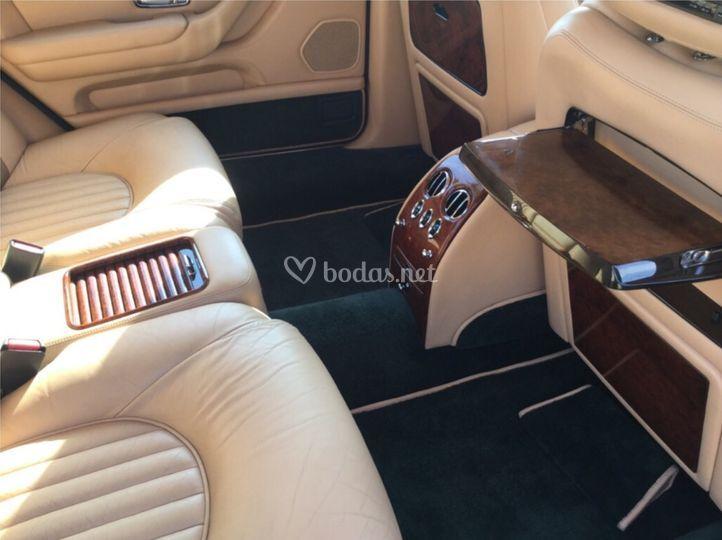 El interior del Bentley