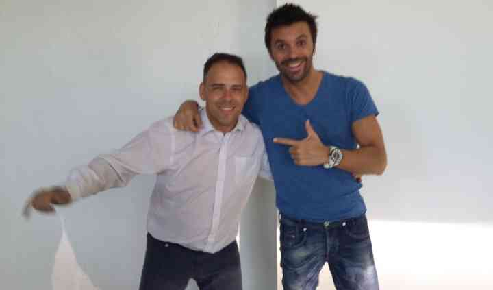 Con el artista Robert Ramirez