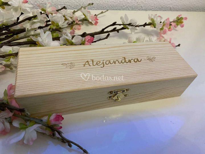 Cajita de madera con nombre