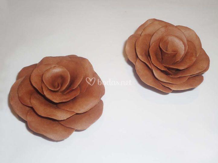 Rosas de chocolate con leche