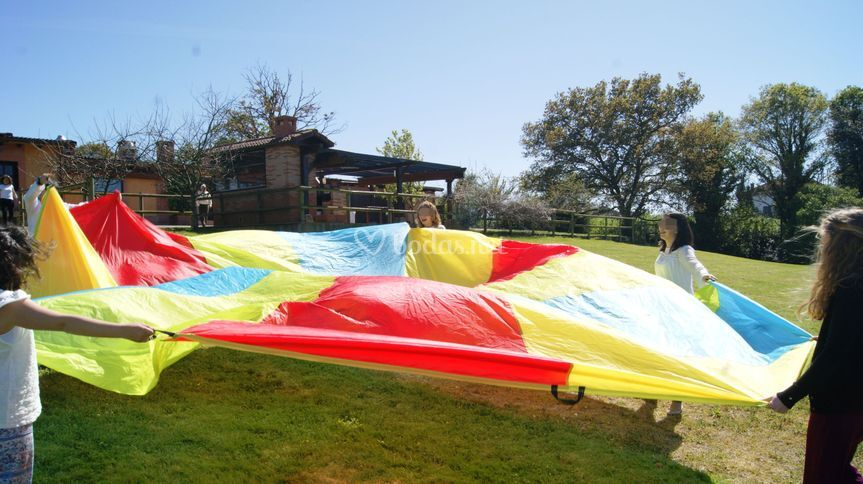Paracaídas de diferentes tamaños