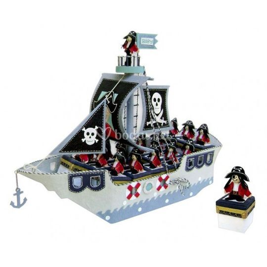 Barco pirata y 16 cajitas.