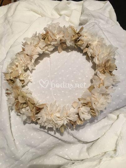 Corona con flor natural