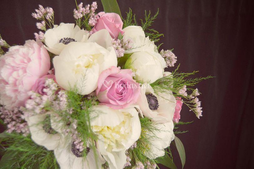 Arreglos florales románticos y