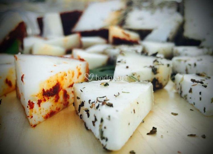 Presentación de quesos especiados