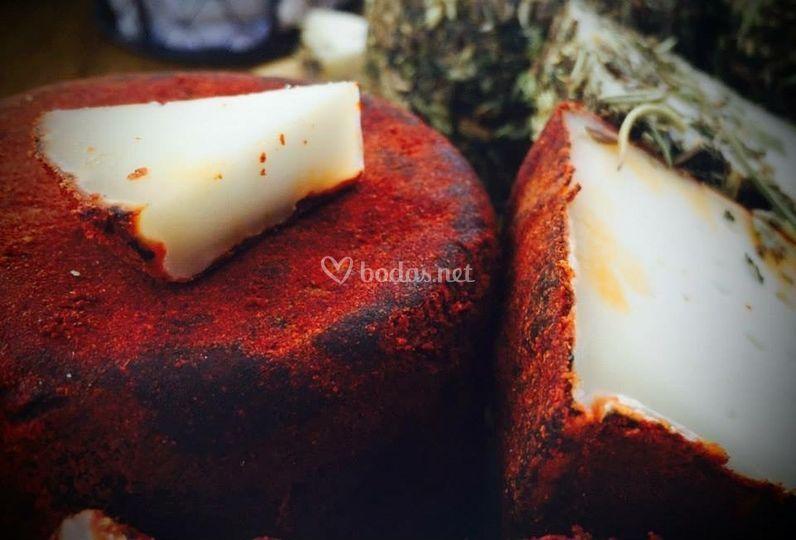 Presentación de queso con pimento