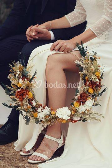 Novia con hoop bouquet
