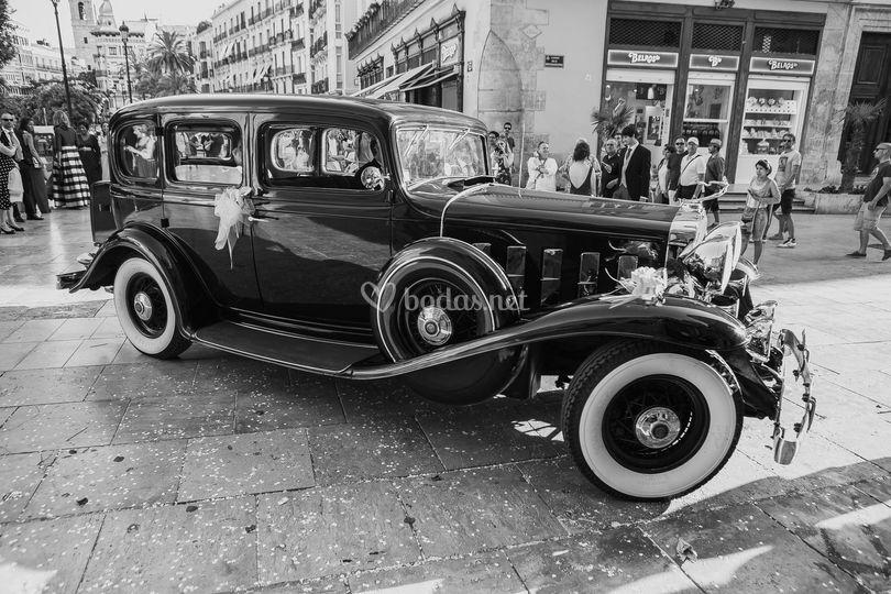 El coche nupcial