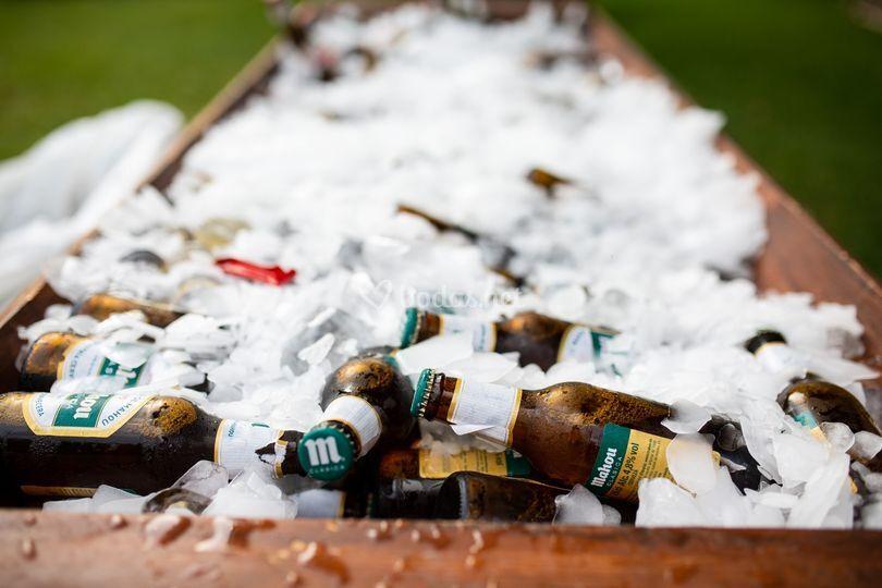 Artesa con cervezas