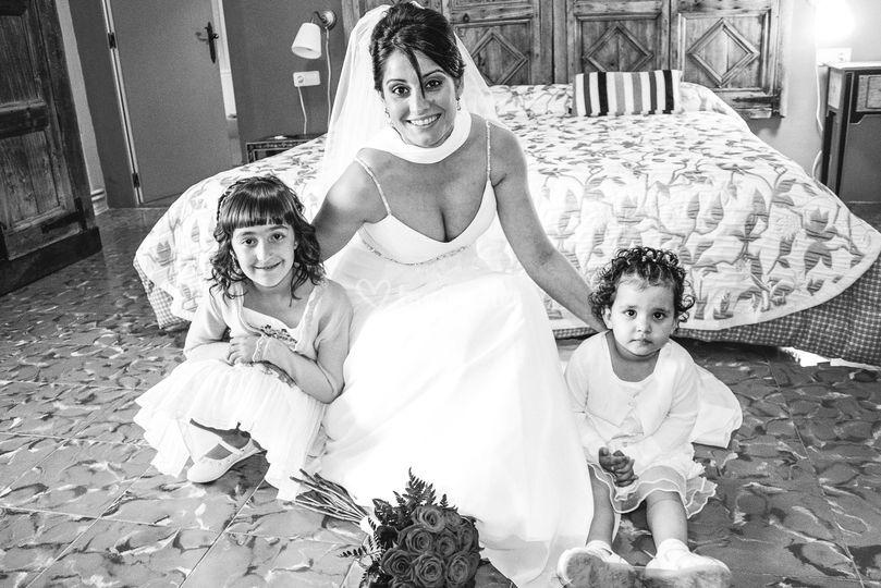 La novia y las pequeñas
