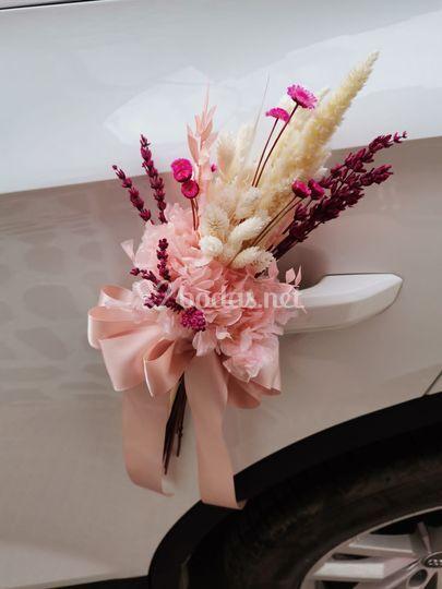 Decoración floral para el coche