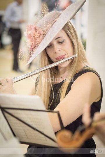 Irene, flautista