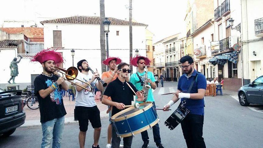 Grupo tocando
