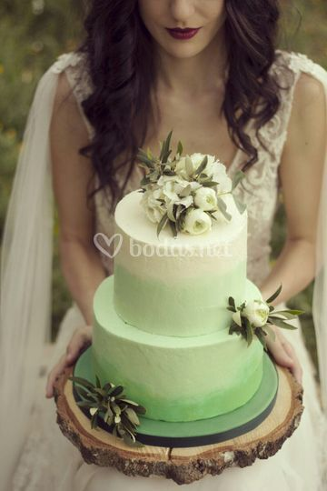 Greenery ombre cake