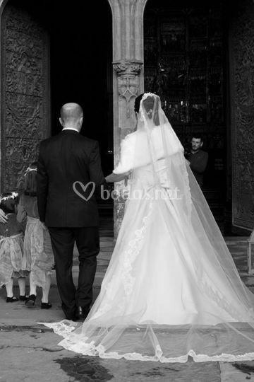 Entrada espectacular de la novia