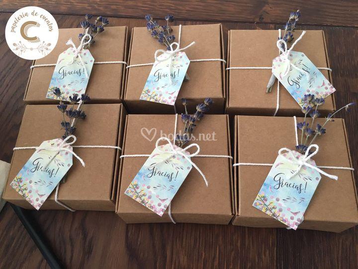 Etiquetas regalos invitados