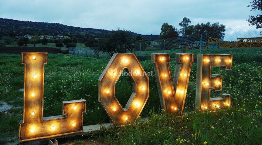Palabra LOVE completa