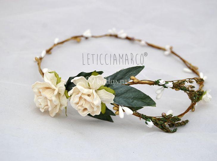 Rosa blancas tiara