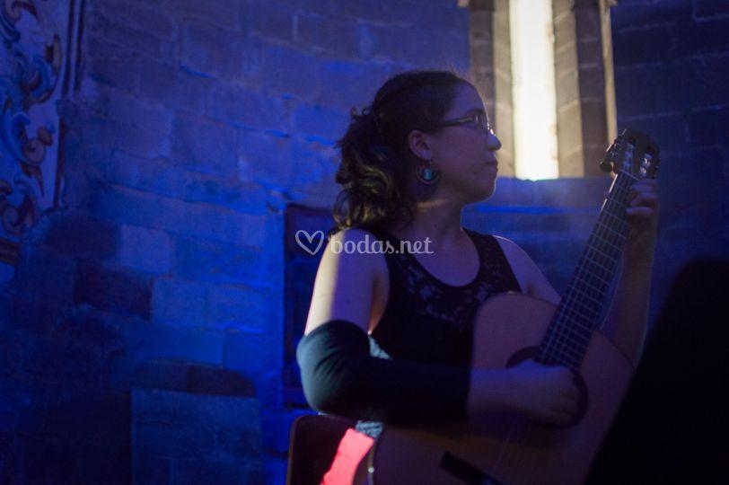 Eva Pons, guitarra