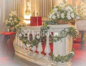 Decoración floral del altar