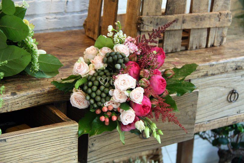 Ramo de novia con rosas mini,