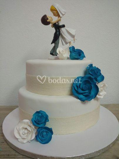 Fondant y rosas azules