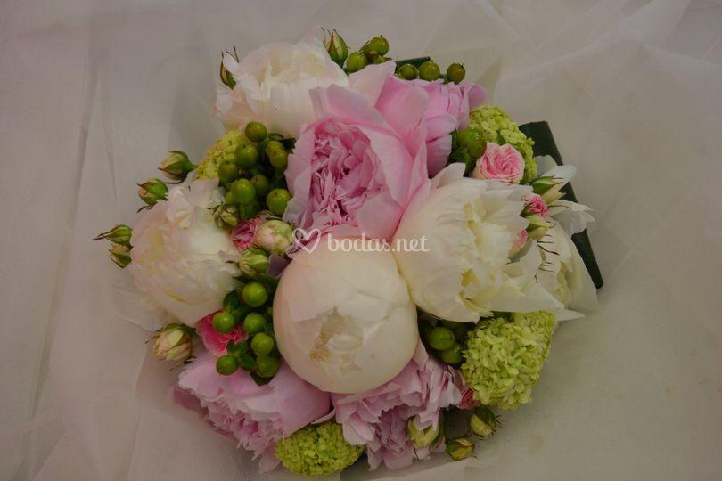 Bouquet peonias rosas
