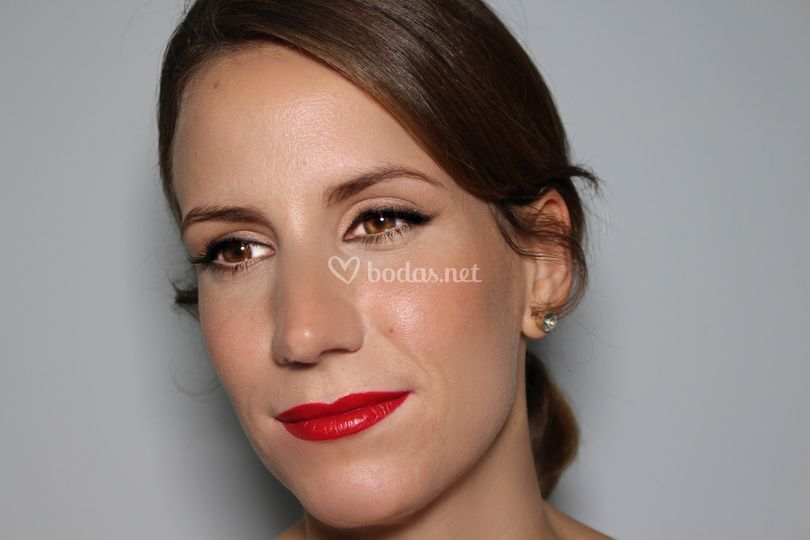 Maquillaje de Novia con labio