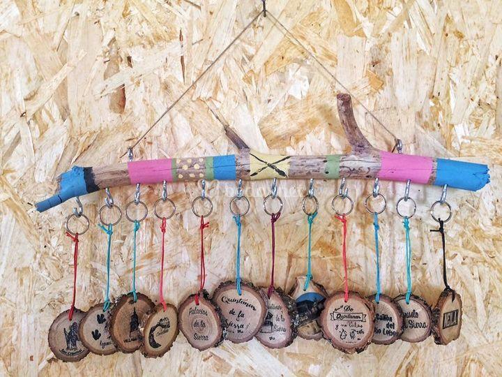 Llaveros personalizados madera