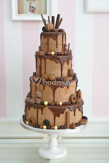 Tarta de boda drip cake choco