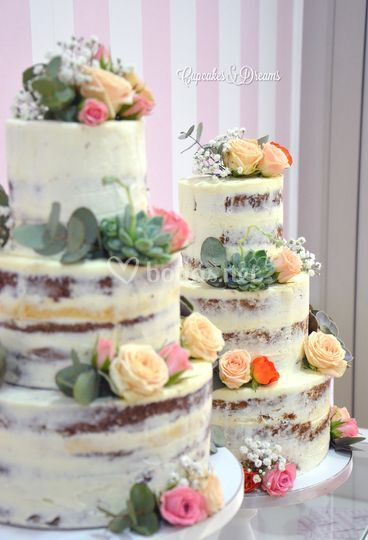 Naked cakes con flor natural