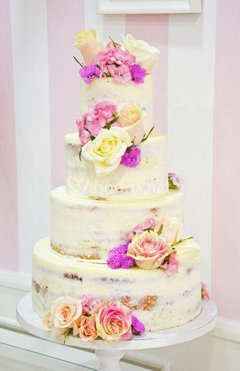 Tarta de boda naked cake de Cupcakes & Dreams