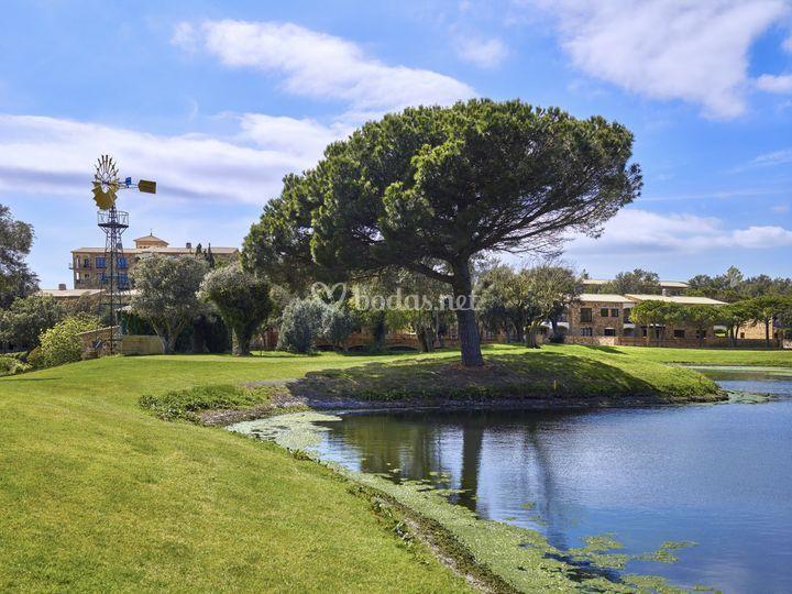 Green 3 con el lago y molino