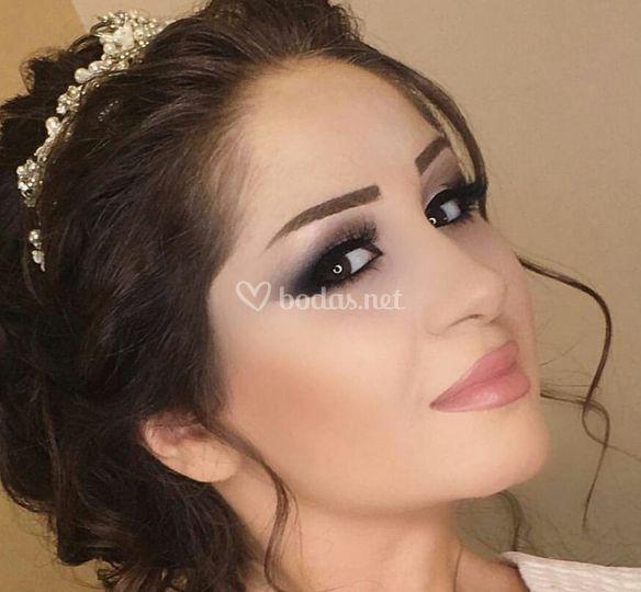 Maquillaje sobrio y elegante