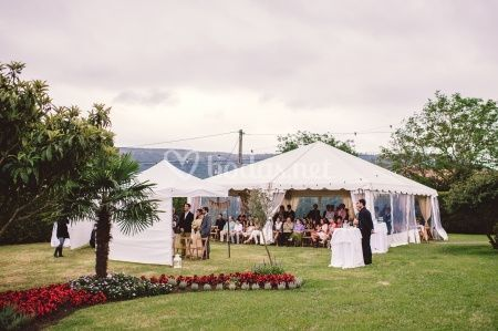 Carpa y ceremonia