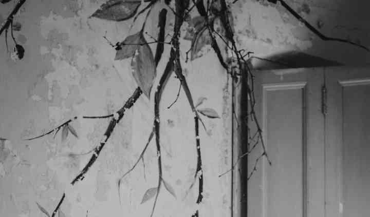 Boda romántica casa en ruinas