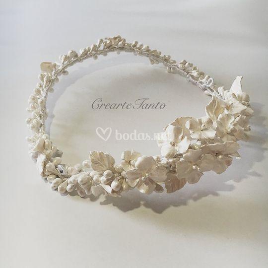 Corona doblada de porcelana