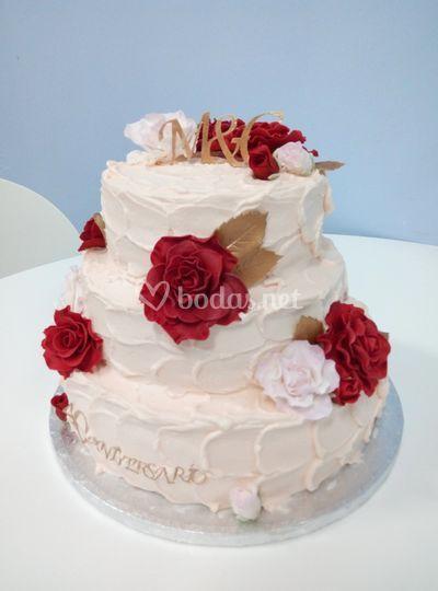 Tarta de crema y flores