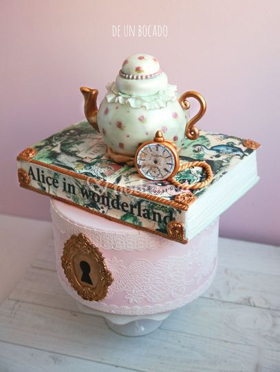 Tarta Alice in Wonderland